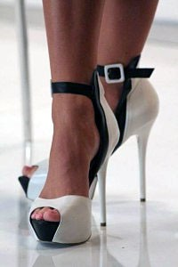 high-heels-and-foot-injuries