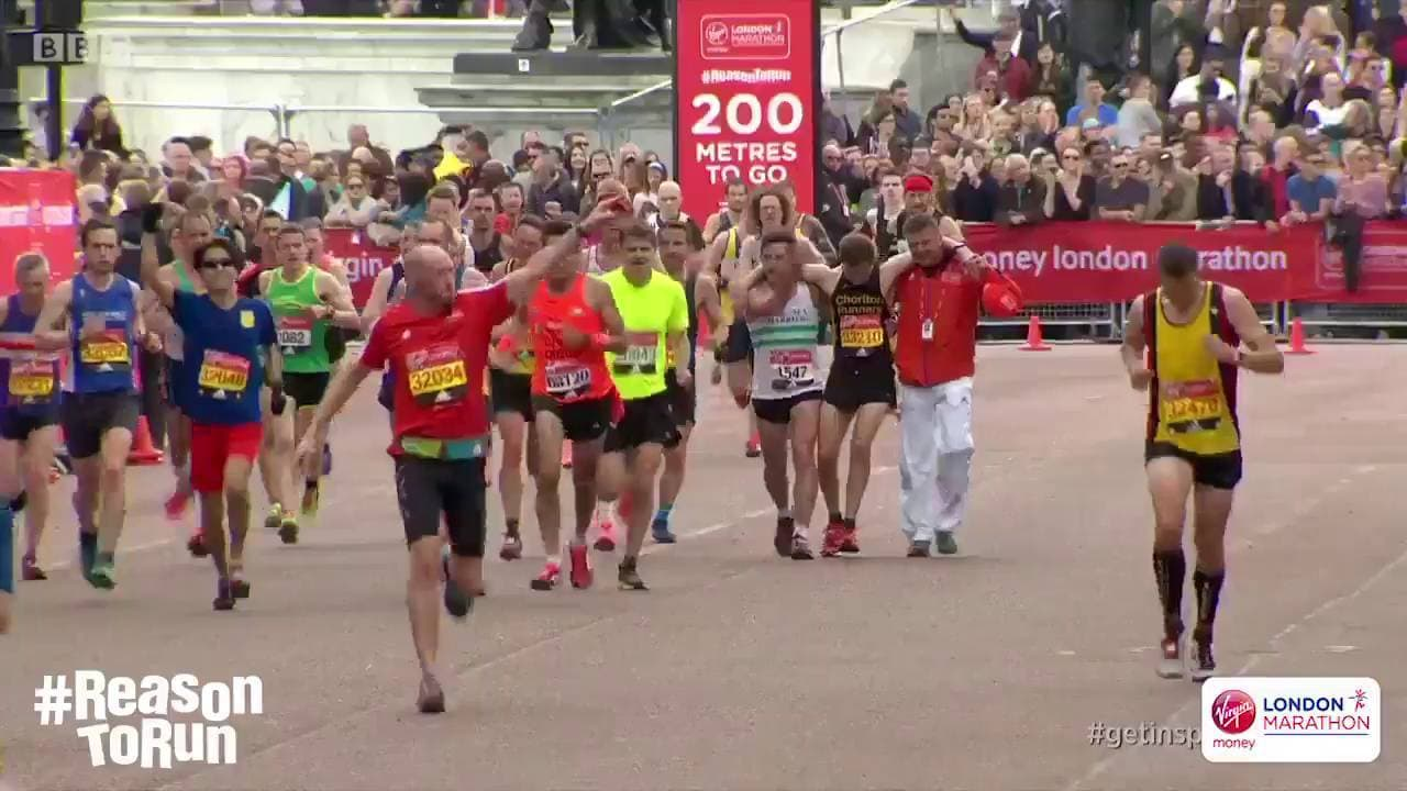 A Fine Moment for Sportsmanship: Watch What Happened in the London Marathon!
