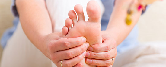Do Your Burning Feet or Numb Toes Need to See a Doctor?  Here's How to Know