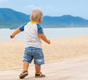 Early Walking Pace Predicts Aging