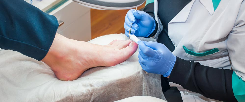 9 Tips to Help Find the Best Podiatrist for Your Foot Care