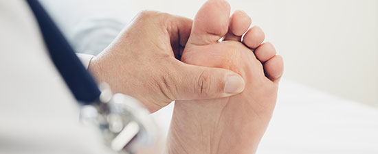 Hammertoe or Plantar Plate Injury: What's the Difference?